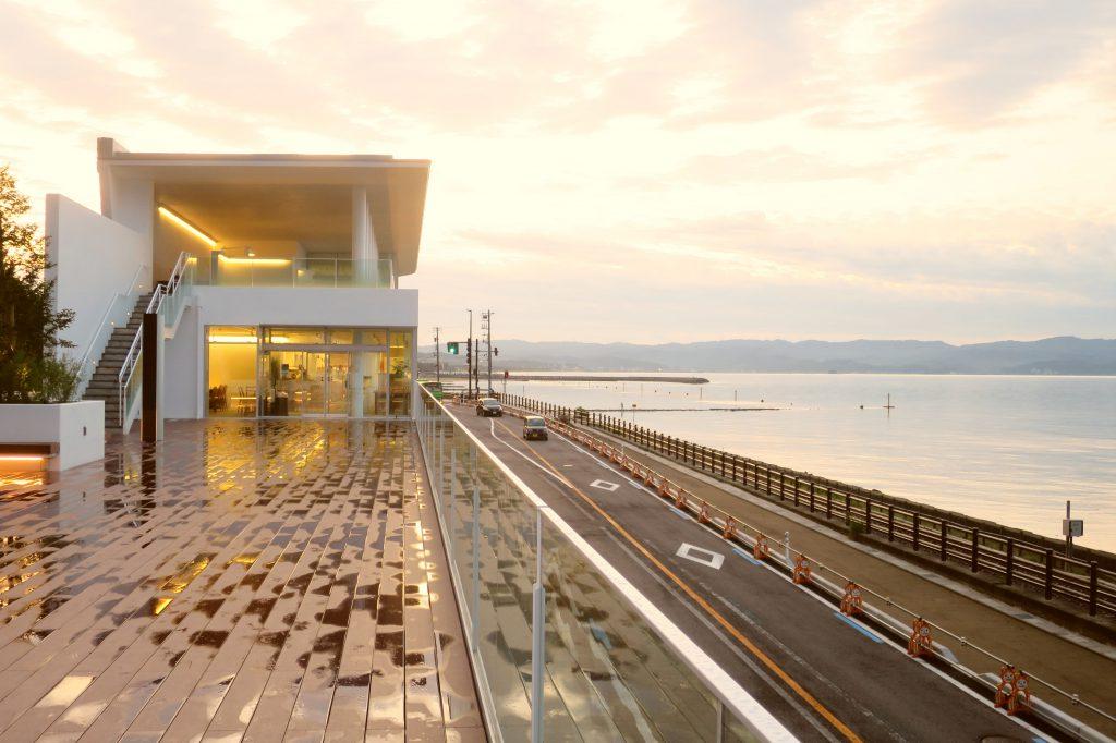 【富山高岡景點】雨過天晴的雨晴海岸:眺望積雪立山連峰 道の駅