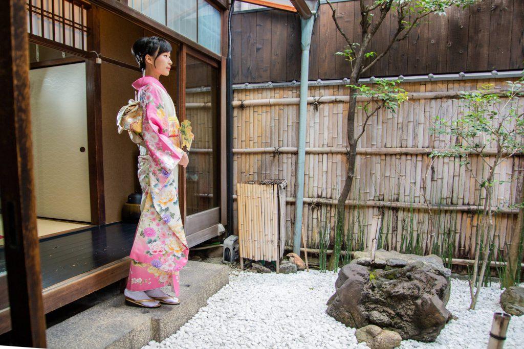 京都・夢館御池別邸 ∣ 一日振袖+髮型設計+室內拍攝體驗