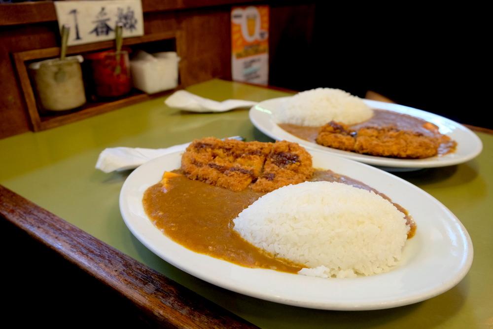 東京.祐天寺鐵道主題餐廳「Niagara」!用蒸氣火車送咖哩上桌