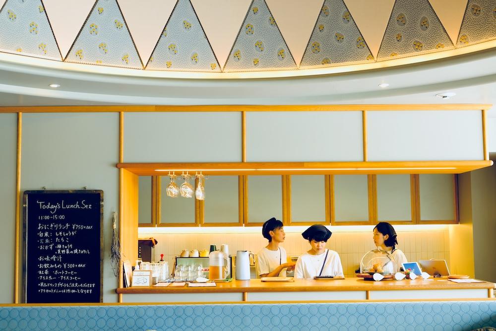 東京表參道・南青山咖啡廳「家と庭」:療癒布丁&優雅內裝