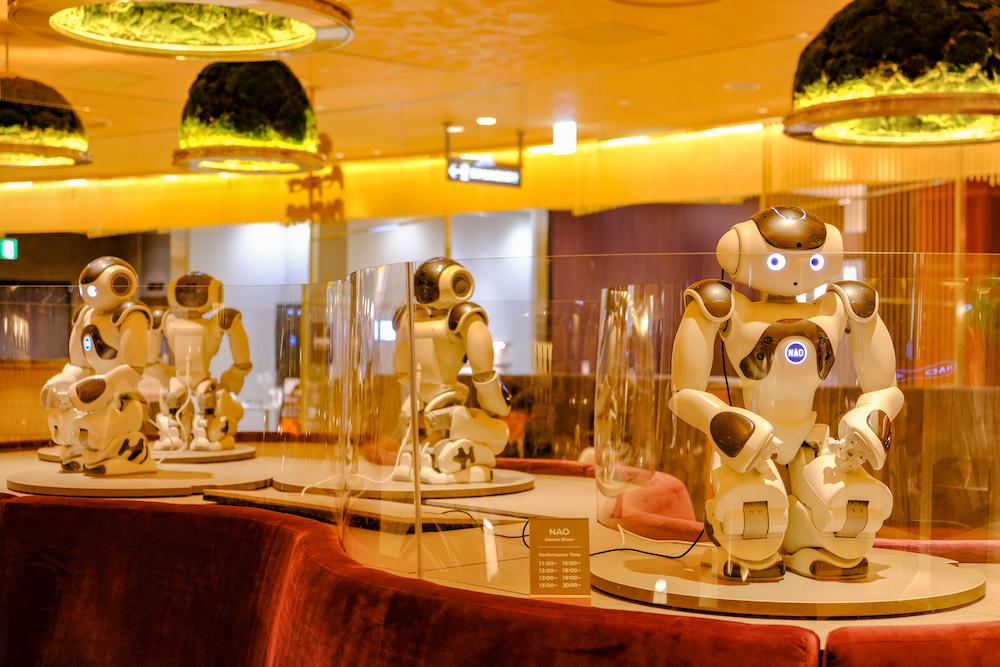 機器人咖啡廳「Pepper PARLOR」定時跳舞機器人