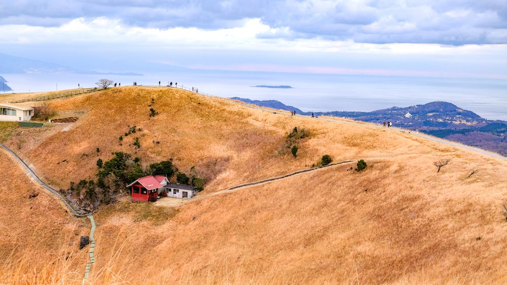 靜岡旅行・伊豆高原「大室山」漫步火山口,360度飽覽伊東沿海景緻