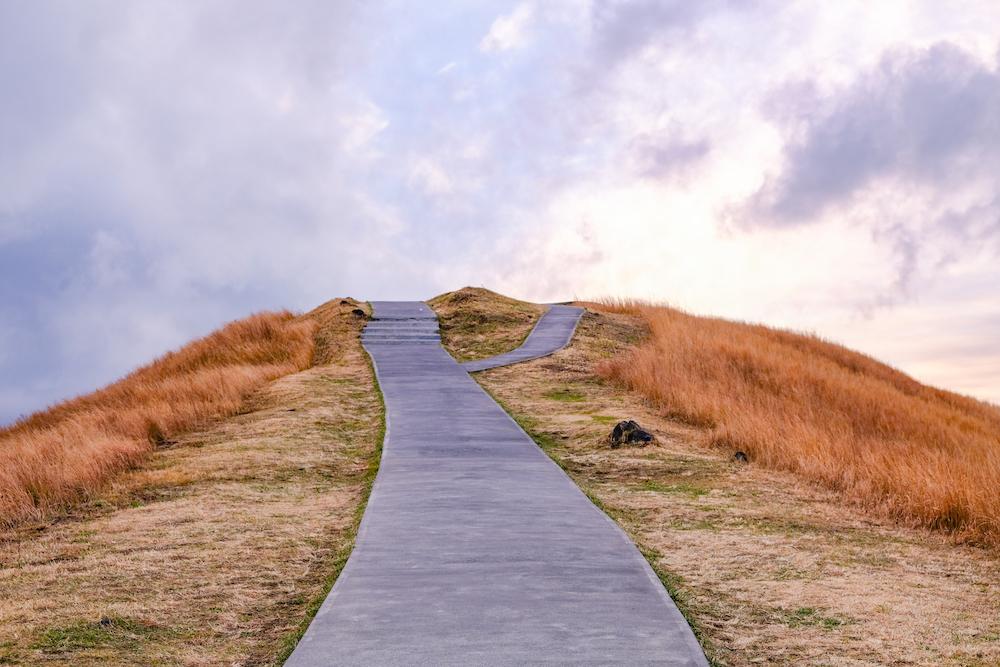 靜岡伊東旅行・伊豆高原「大室山」山頂風景 火山口