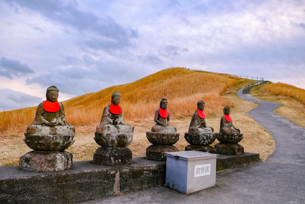 靜岡伊東旅行・伊豆高原「大室山」五智如來地藏尊