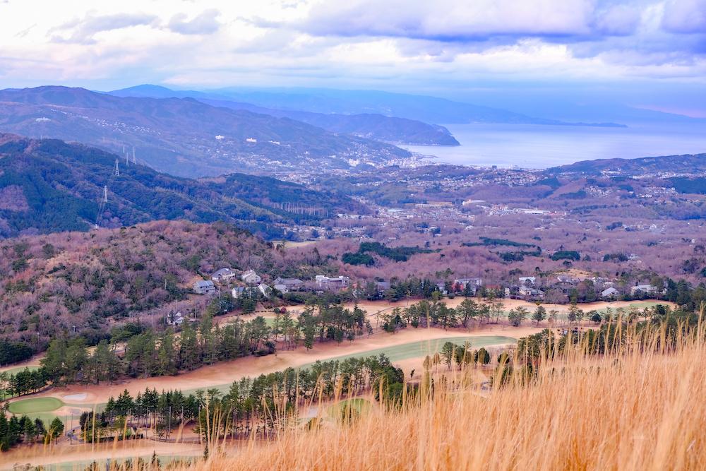 靜岡伊東旅行・伊豆高原「大室山」 高爾夫球場