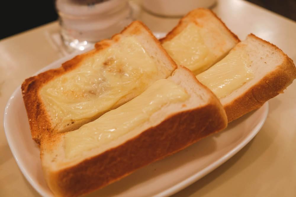 虎之門老式咖啡館「ヘッケルン」起士烤土司