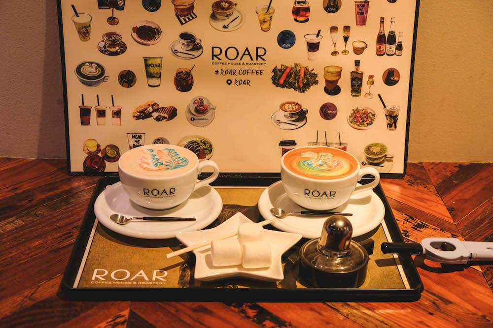 東京八丁堀「Roar-coffeehouse-Roastery」|街角的彩虹拉花咖啡廳&手烤棉花糖