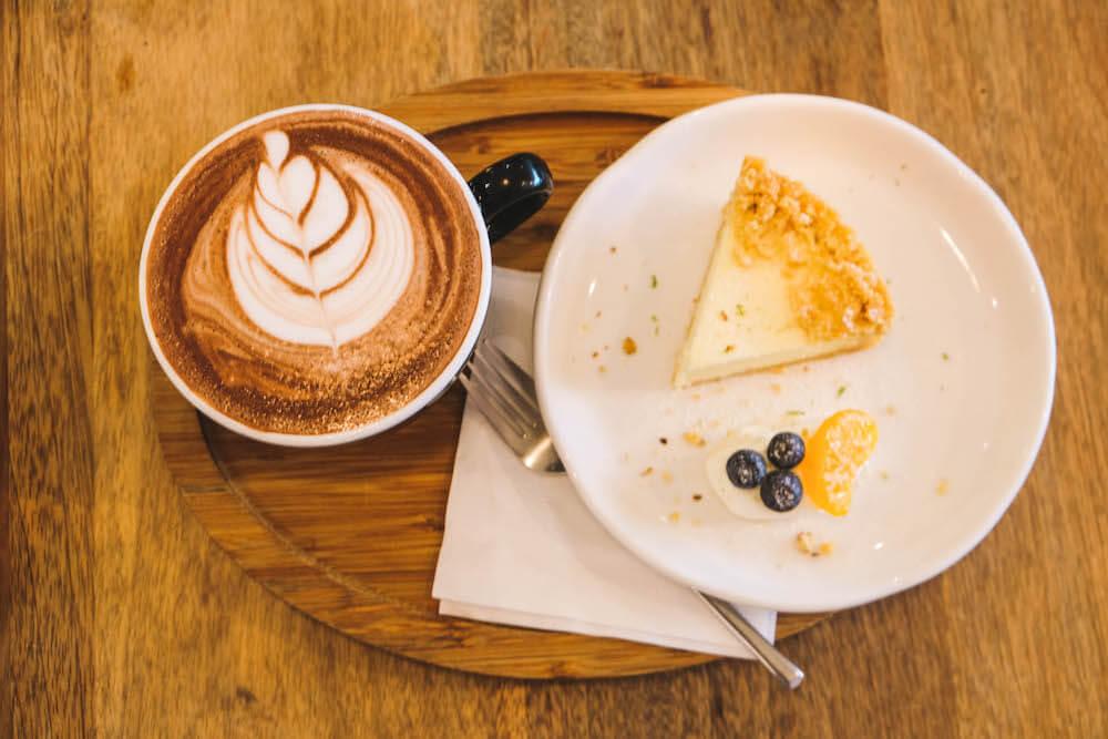 學校咖啡館 Ecole Cafe:青田街巷弄不限時咖啡廳,藝文、手作與咖啡相伴的靜謐空間