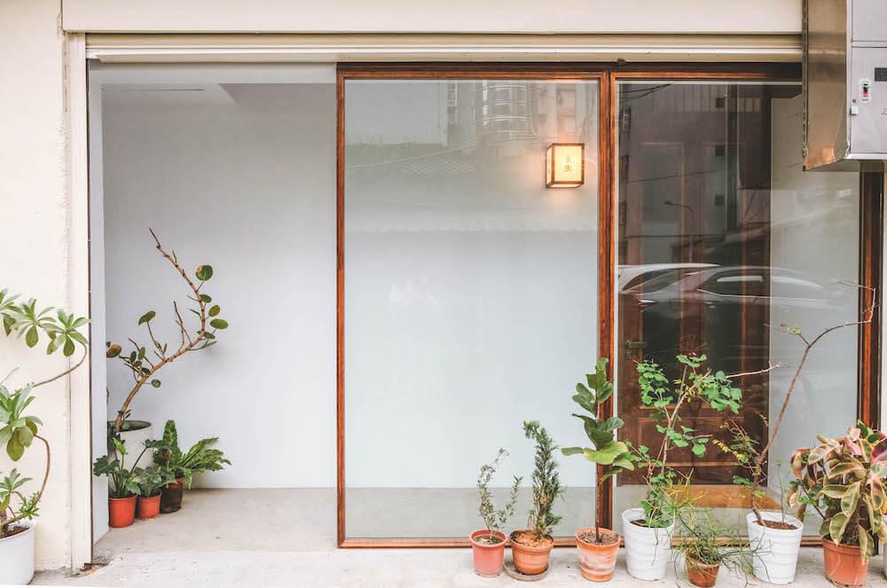 南港咖啡廳+畫室空間「玉虫画室」