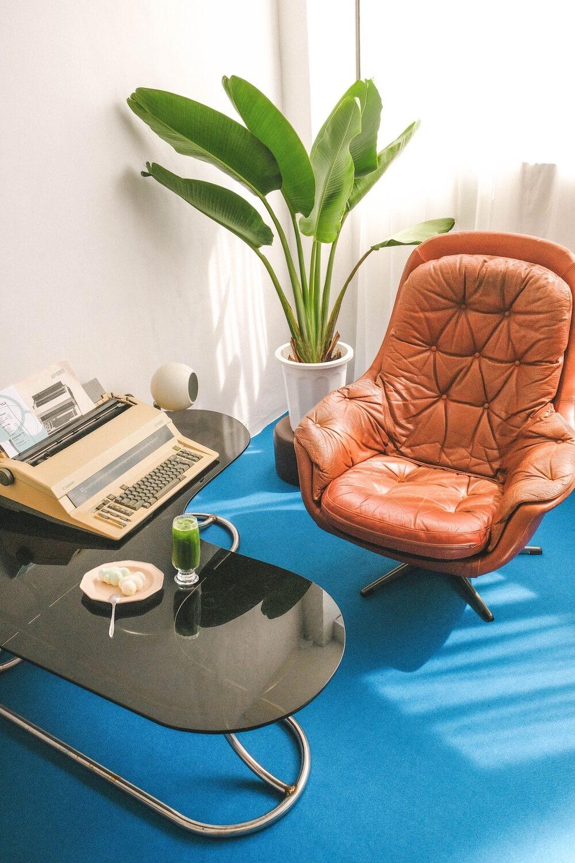古亭全預約制咖啡廳「Dozeroom」:乘著法式雲朵,穿梭回1960s復古摩登太空時代