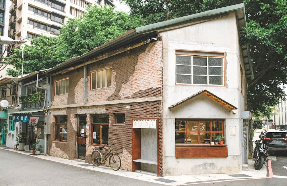 台中雞蛋糕名店「魚刺人」台北師大店,古亭巷弄老宅改建古早味空間