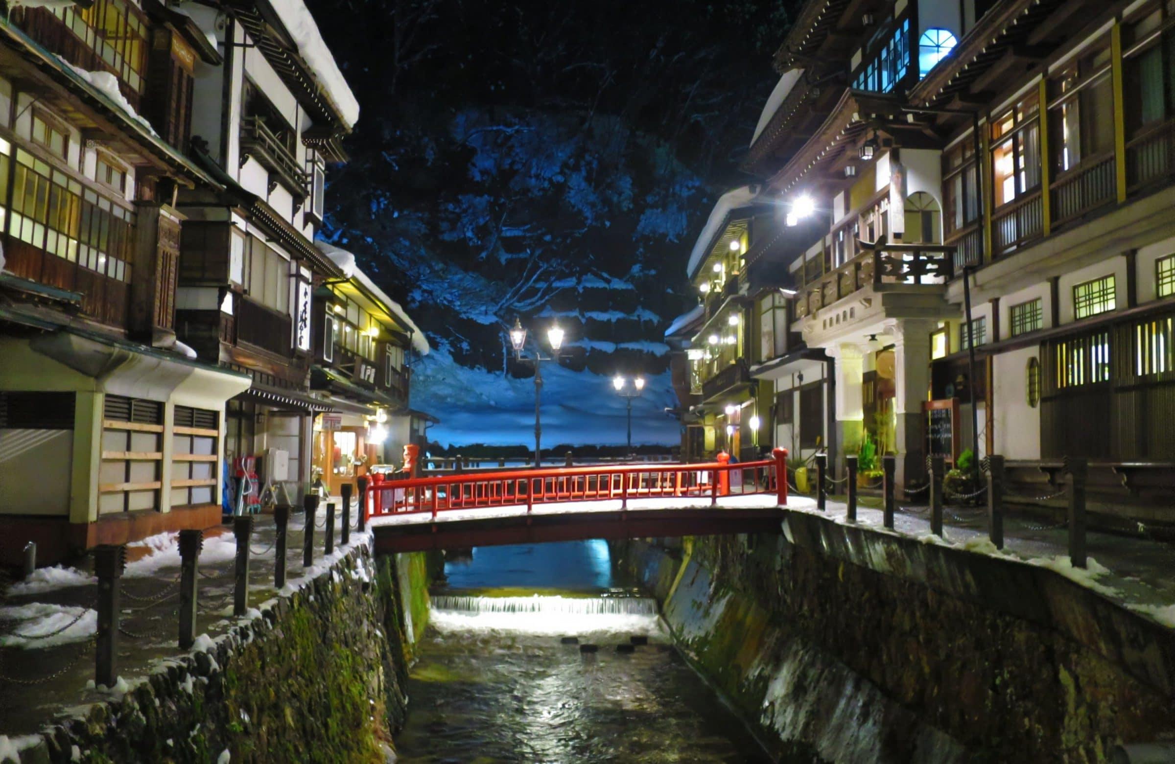 【山形景點】銀山溫泉昭和館!探訪大正浪漫夜景、享受冬季溫泉雪景